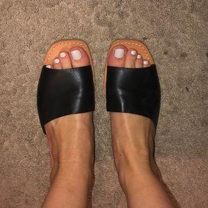 Like New Dolce Vita Cato Slide Sandal